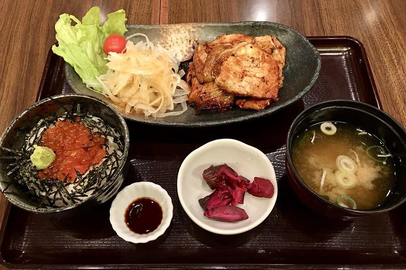 豚皿&イクラ丼