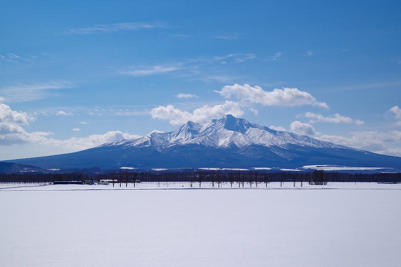 雪原と斜里岳